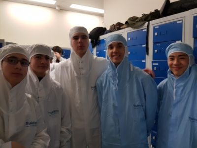 Classe en entreprise chez Thales Alenia Space - visite de la fabrication des hybrides